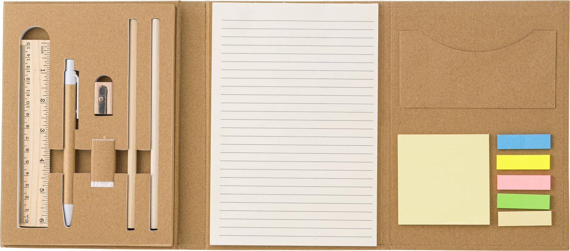 Conférencier en carton avec bloc-notes  - 19-1280-2