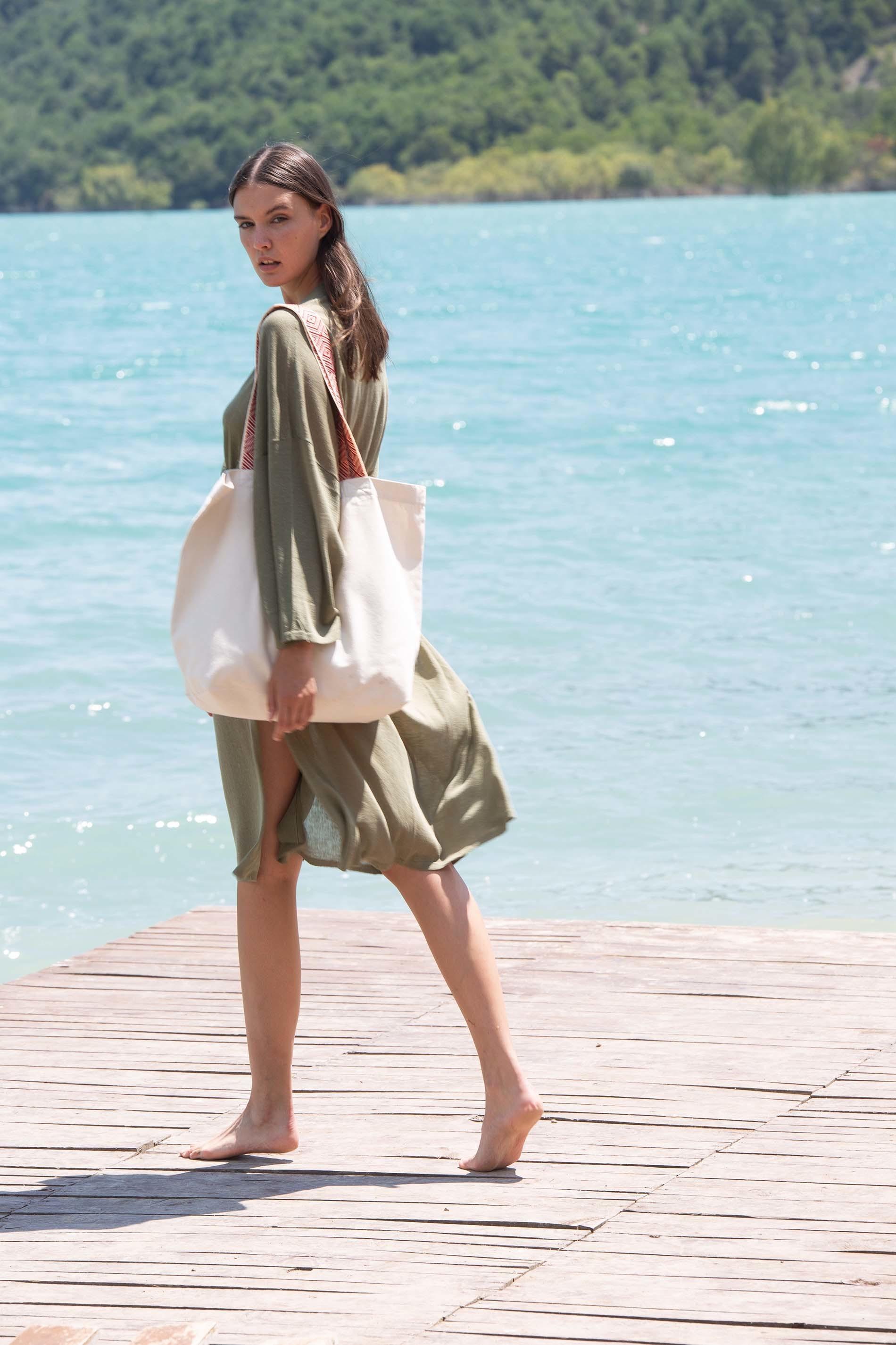 Grand sac shopping recyclé à fond plat avec anses à motifs ethniques