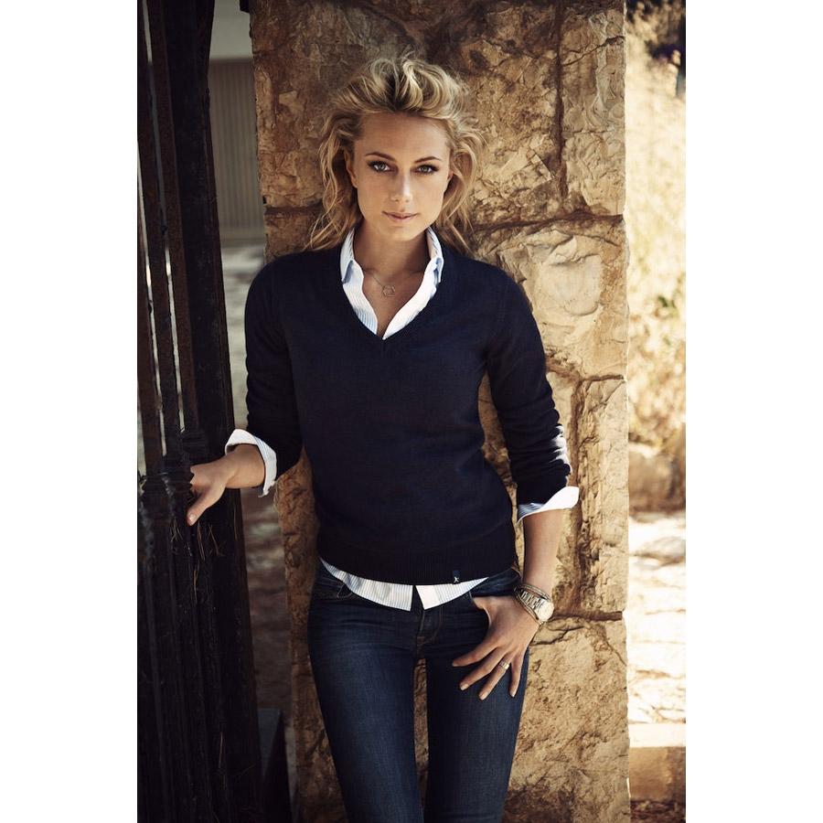 Pull femme col V en tricot de laine mérinos B